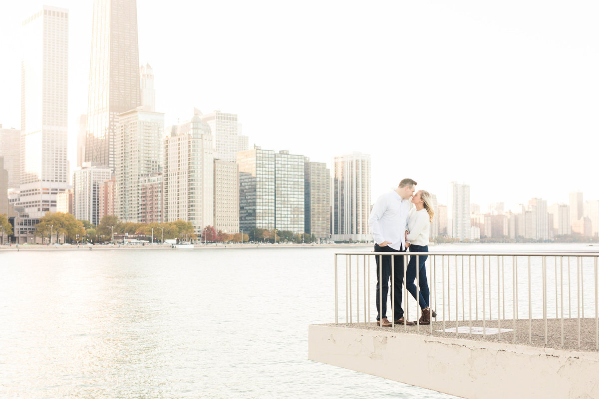 classic-chicago-engagement-photos-katie-schubert-wisconsin-wedding-photographer-40