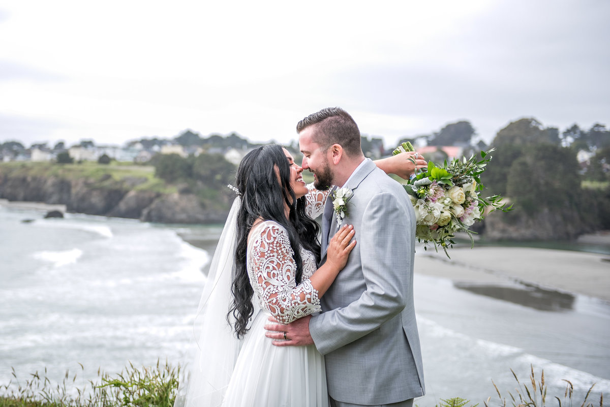 Mendocino Wedding photographer, MacCallum House wedding