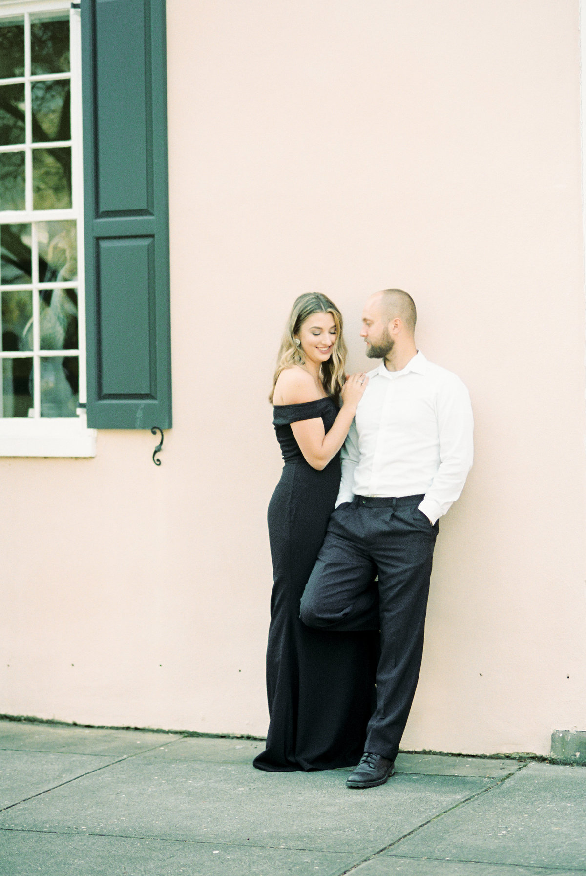 Rainbow-Row-Downtown-Charleston-Engagement-15