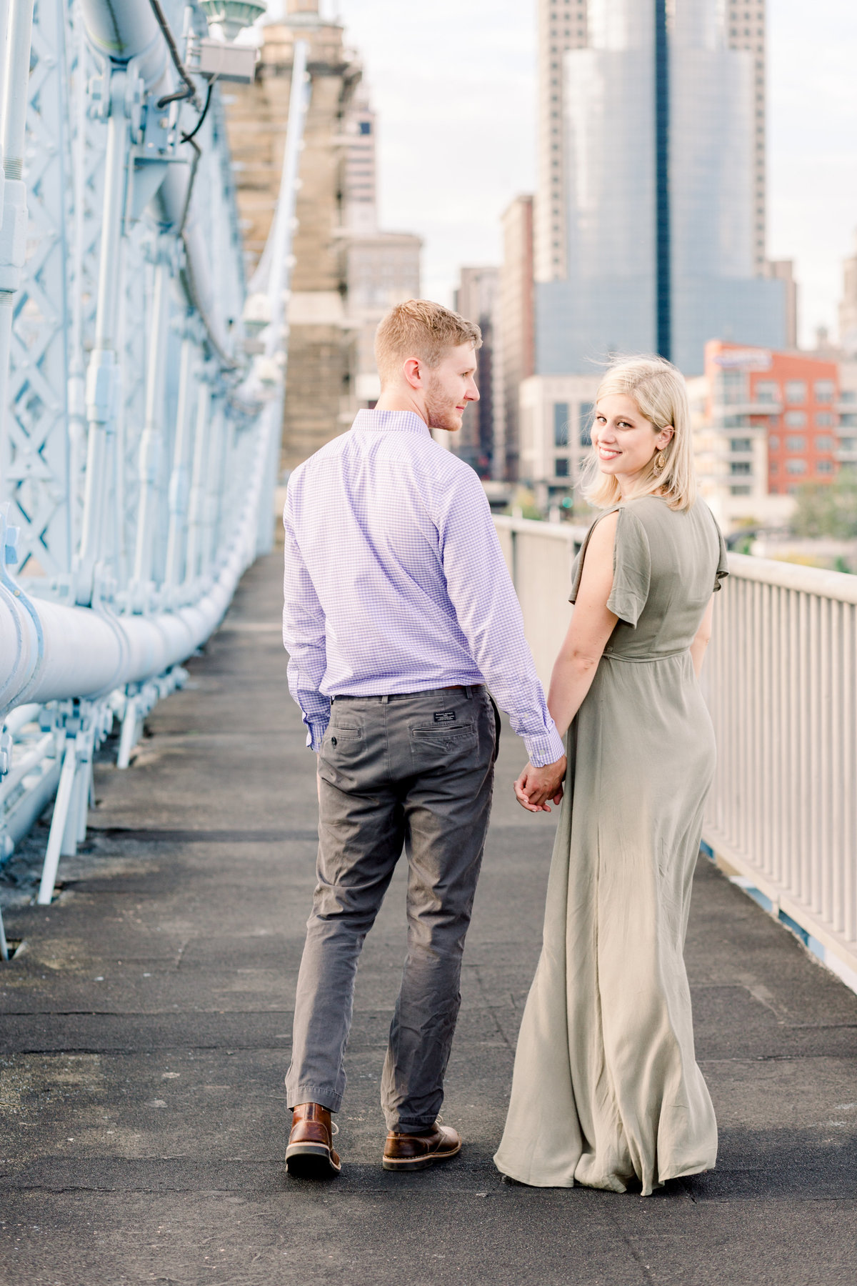 Cincinnati-engagement-wedding-photographer-eden-park-art-museum-smale-riverfront029