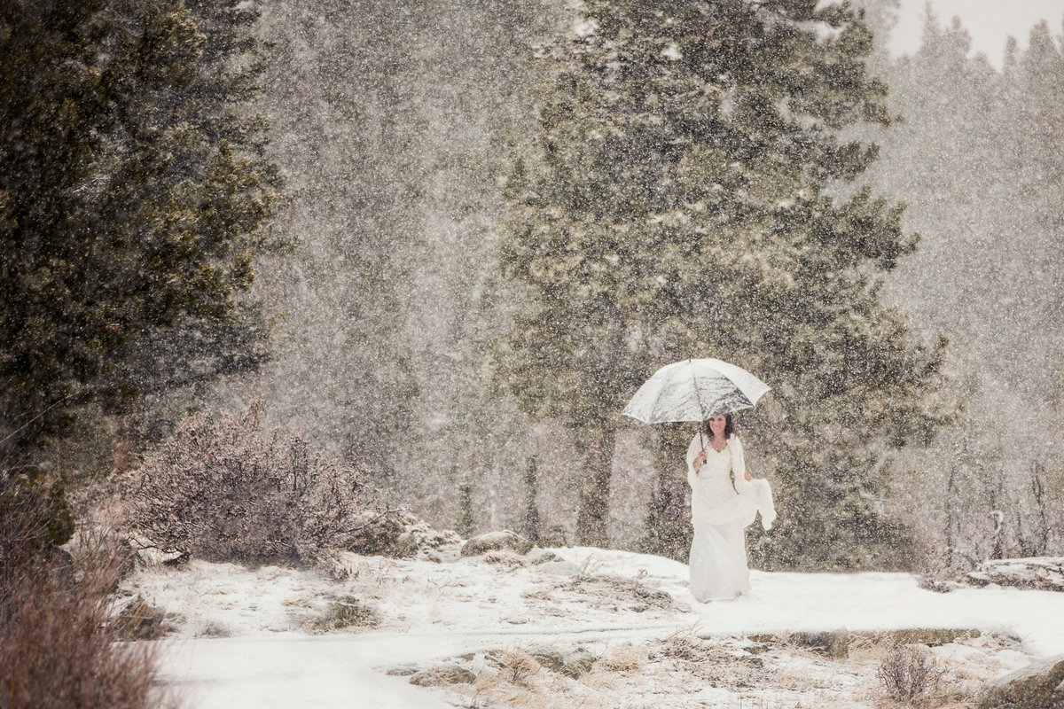 snowy-estes-park-wedding-portraits