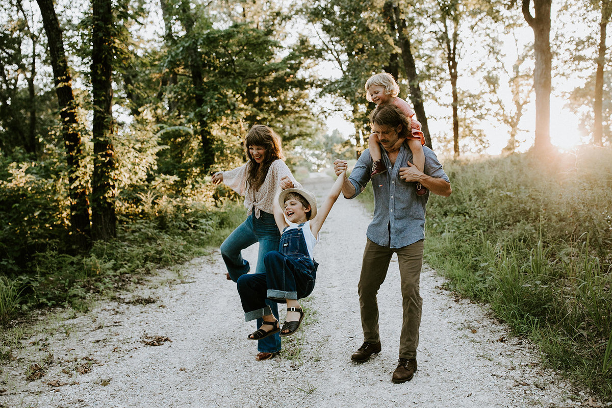 MISSOURI LIFESTYLE FAMILY PHOTOGRAPHER - KASSANDRA S-302_websize