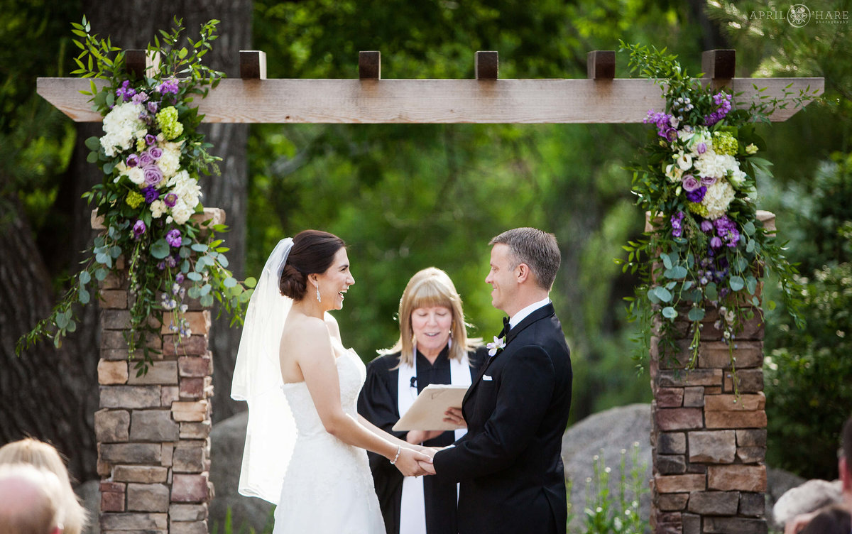 Gorgeous outdoor Colorado wedding ceremony at Wedgewood on Boulder Creek in Colorado