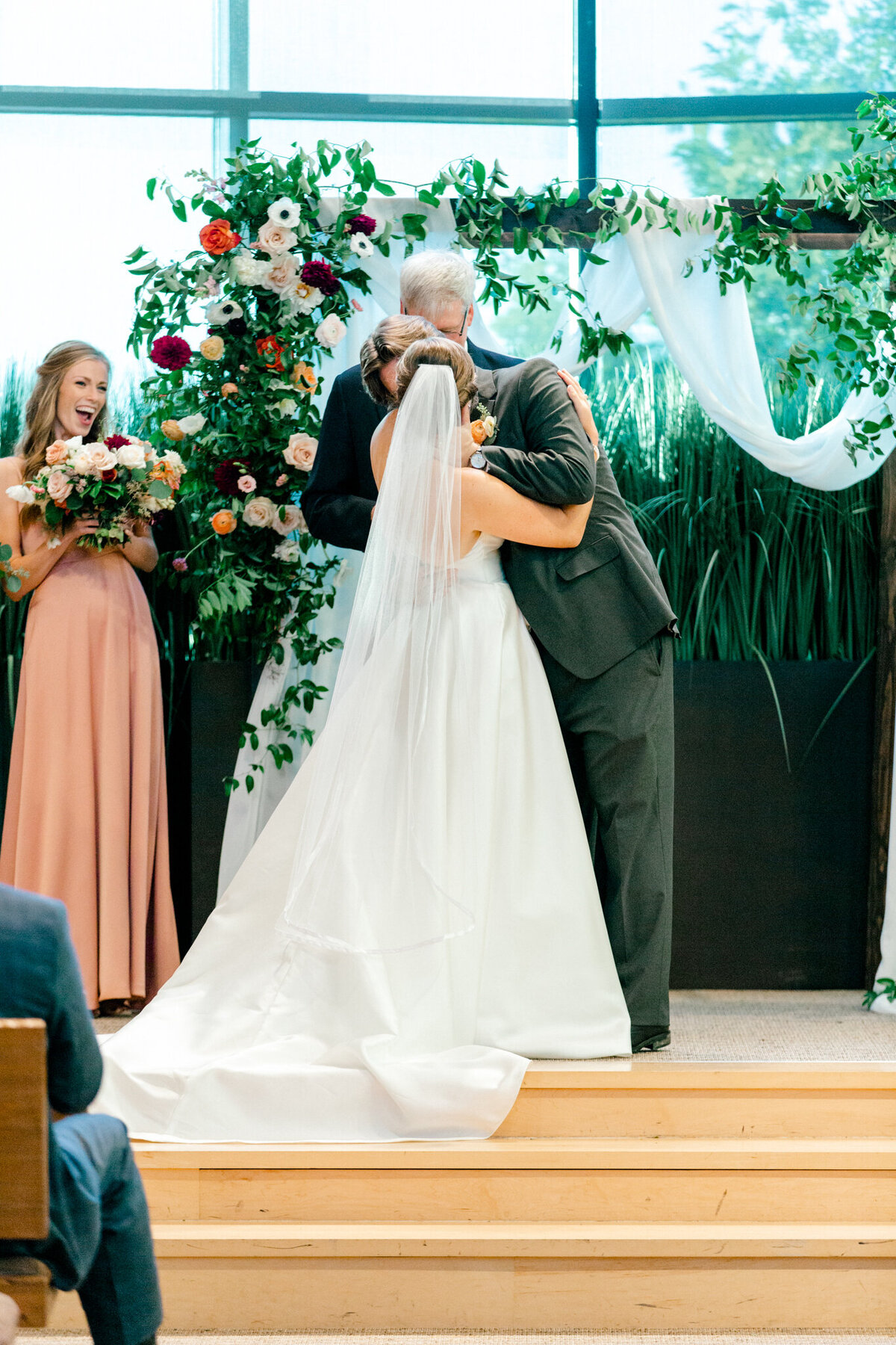 Kaylee & Michael's Wedding at Watermark Community Church | Dallas Wedding Photographer | Sami Kathryn Photography-115