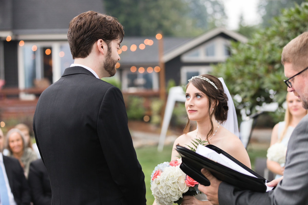 Top rated Pacific Northwest outdoor Rustic Wedding photographer