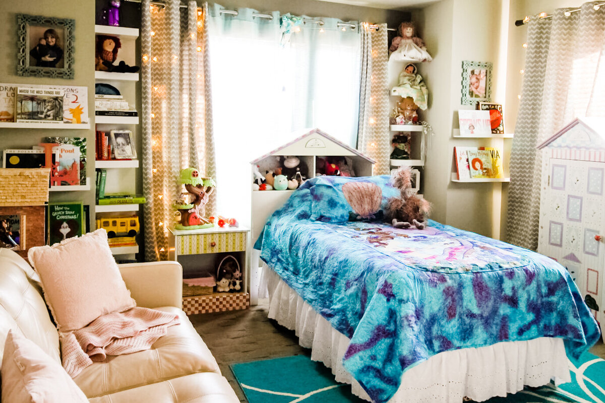 Jet and Tristy girls bedroom