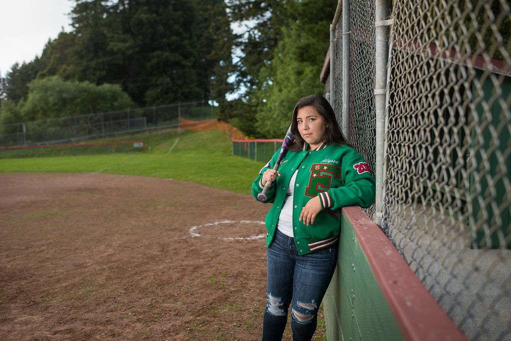 Redway-California-senior-portrait-photographer-Parky's-Pics-PhotographyHumboldt-County-Eureka-HIgh-softball.1.jpg