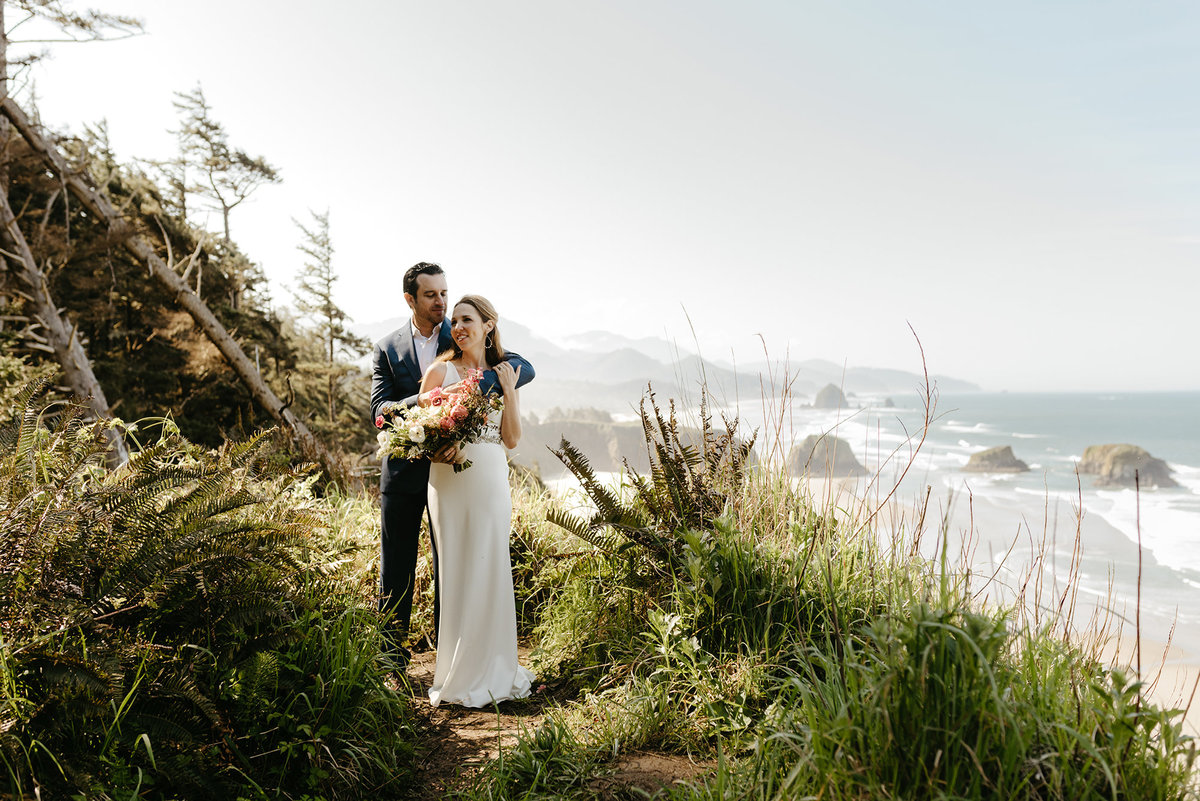 modern elopement at Ecola State Park in Cannon Beach