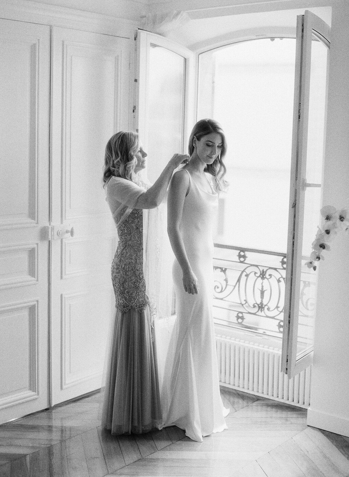 Trine_Juel_hair_and_makeupartist_wedding_Paris_Francetting_Ready_Girls_77