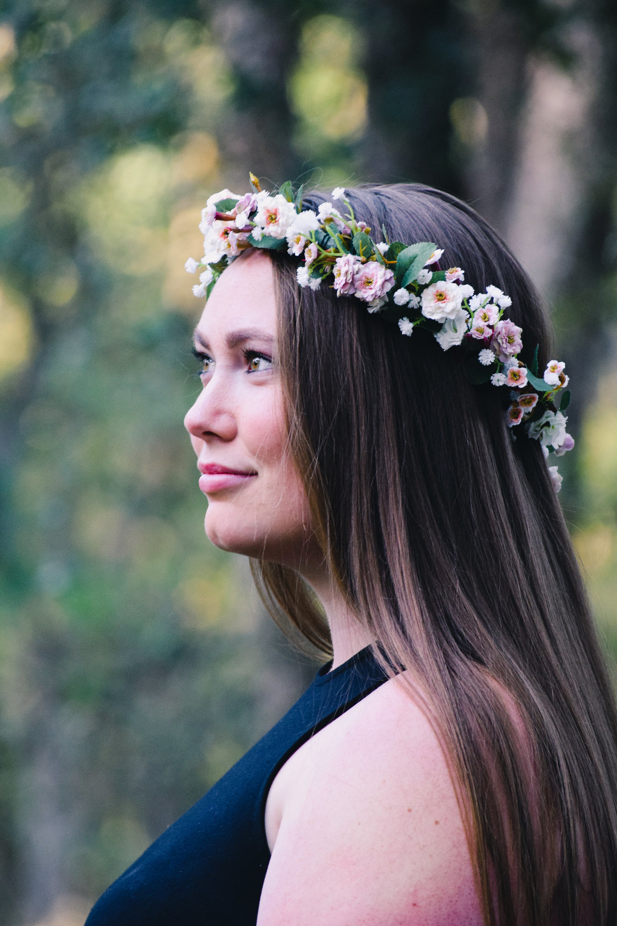 senior portrait of girl with flower crown