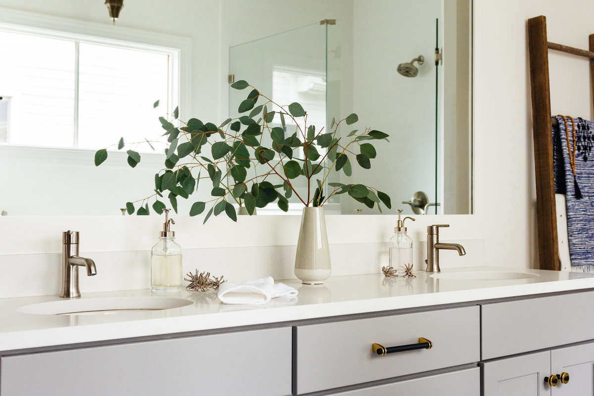 Megan Holt Interiors_Germantown Bathroom_Quinn Ballard Nashville Interior Photographer-421