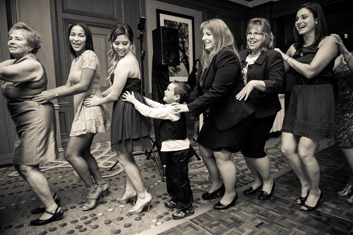 0257-kids-playing-at-wedding-southern-CA