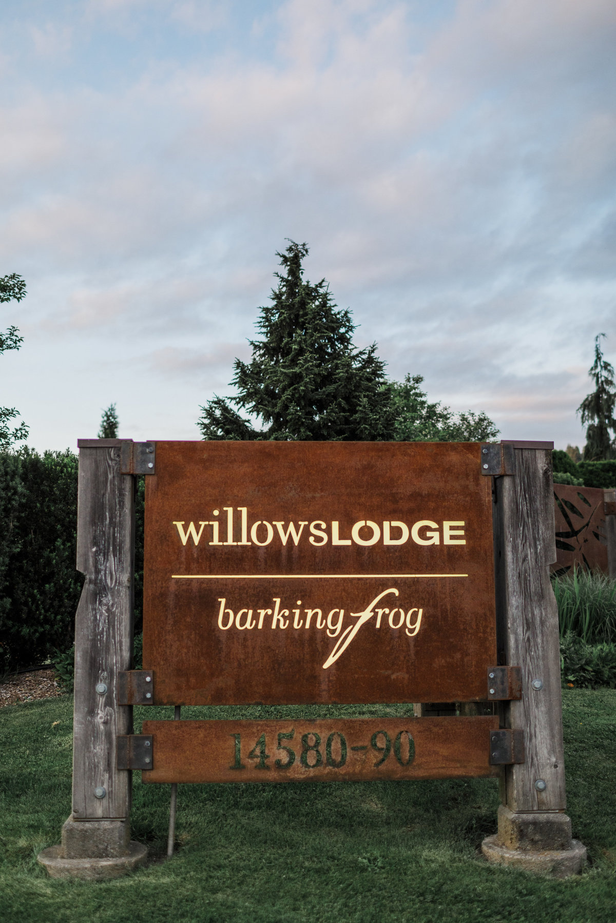Woodinville-Wedding-Photographer-Willows-Lodge-95