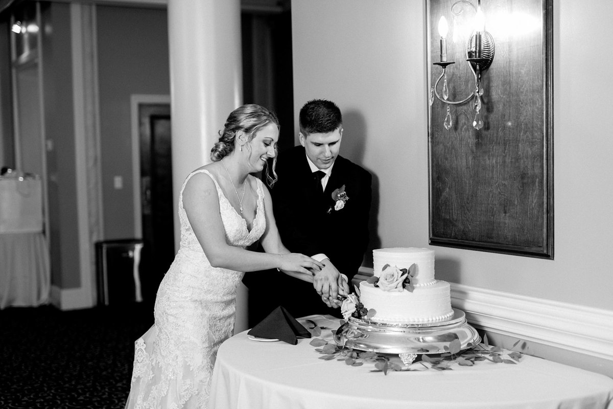 Jordan-Ben-Pine-Knob-Mansion-Clarkston-Michigan-Wedding-Breanne-Rochelle-Photography101