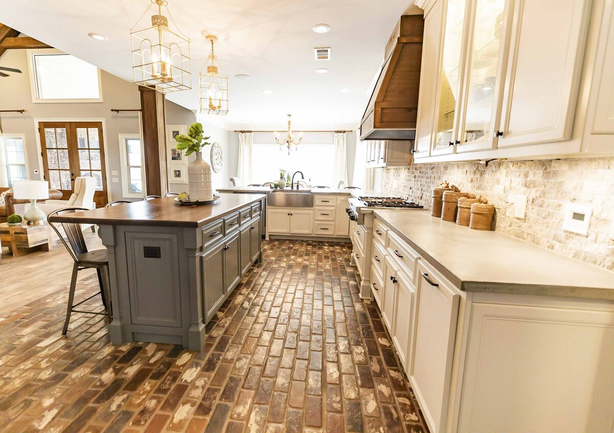 kitchen-decor-farmhouse-style-by-moda-designs-mississippi1