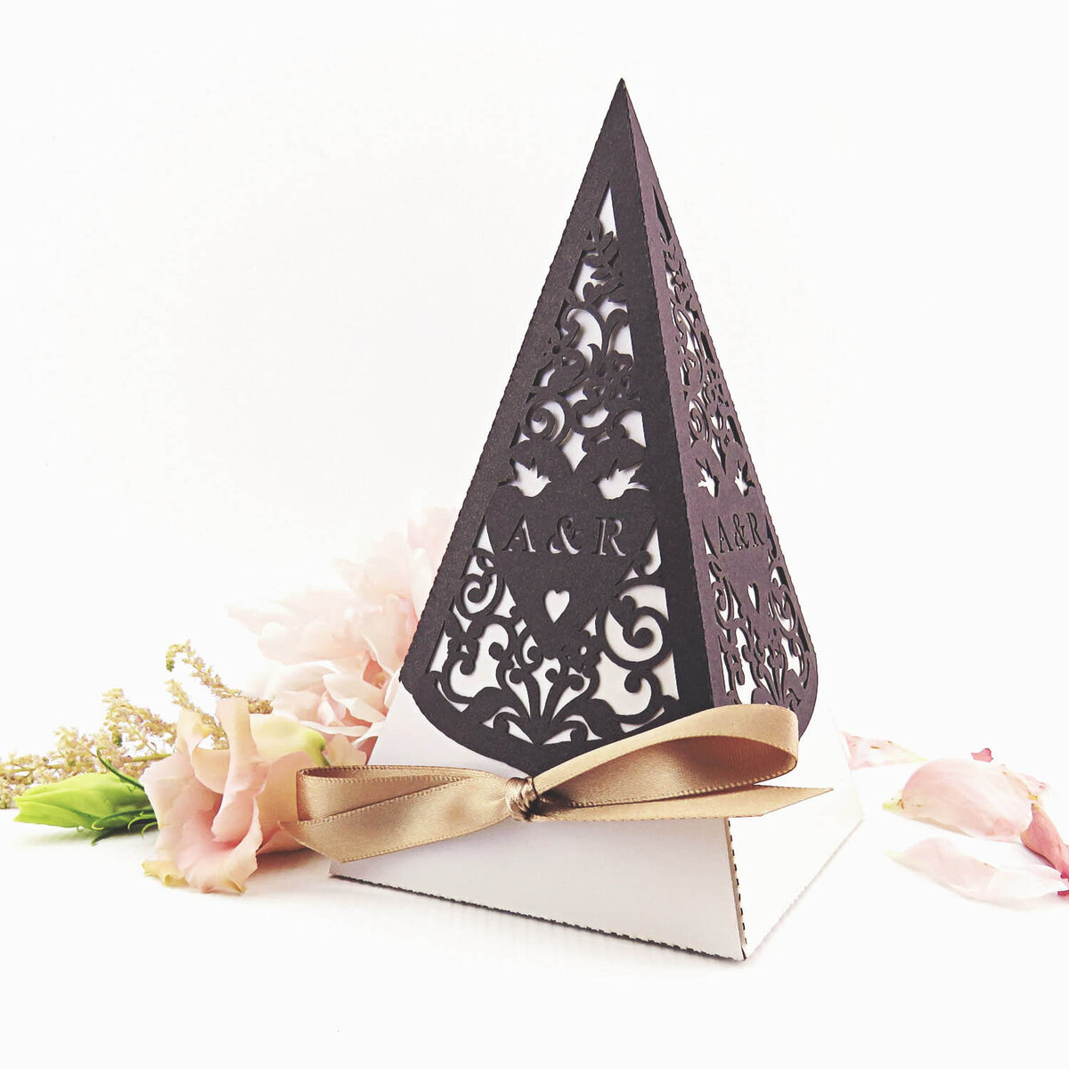 large_love_birds_wedding_pyramid_favour