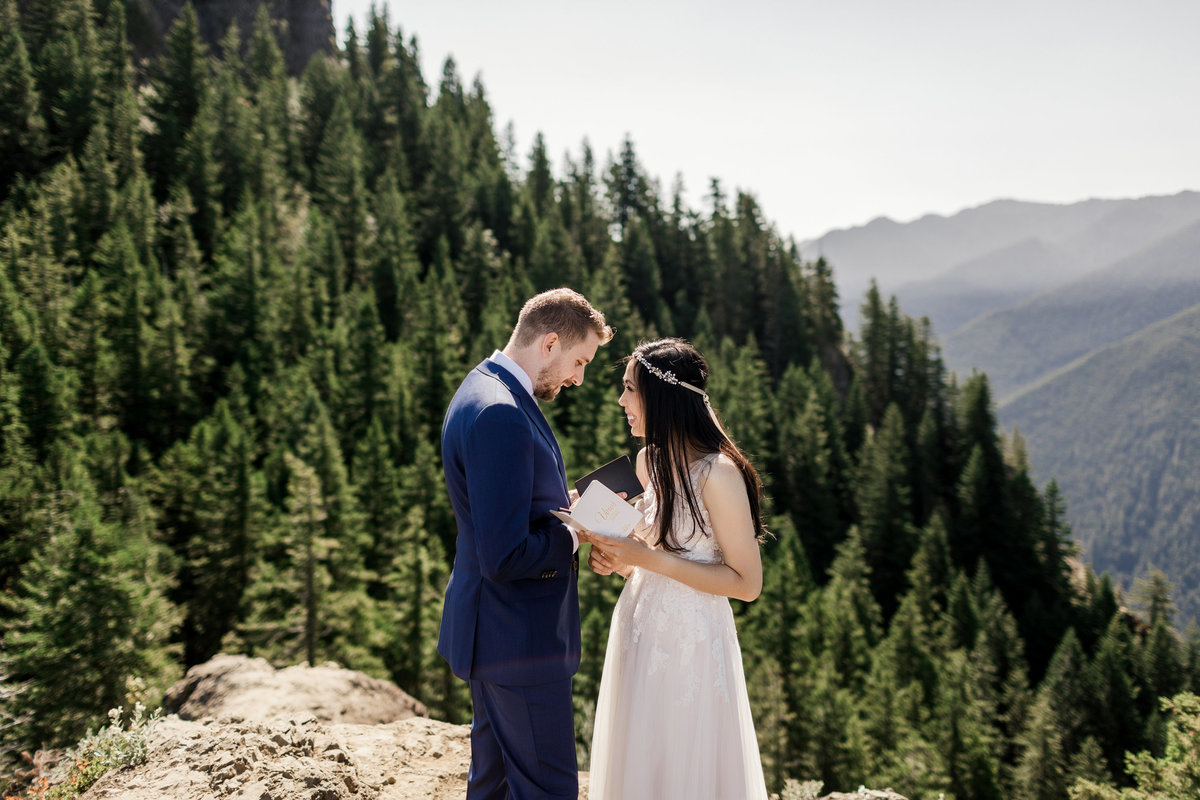 Adventure-Elopement-Photographer-Olympic-National-Park-38