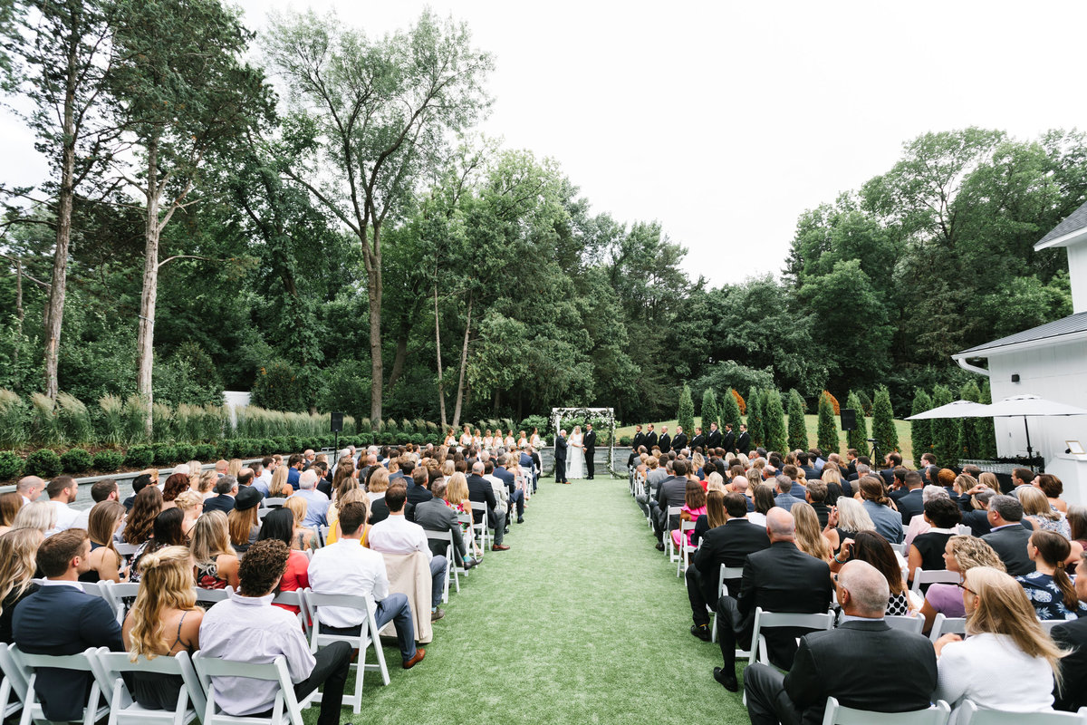 Hutton-House-June-Summer-Minneapolis-Wedding-36
