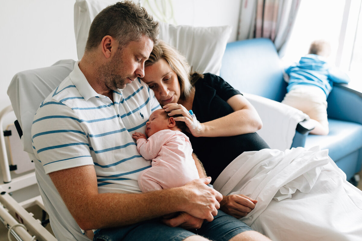 parents with baby In hospital room Fresh 48 photography Melbourne And So I Don't Forget Photography