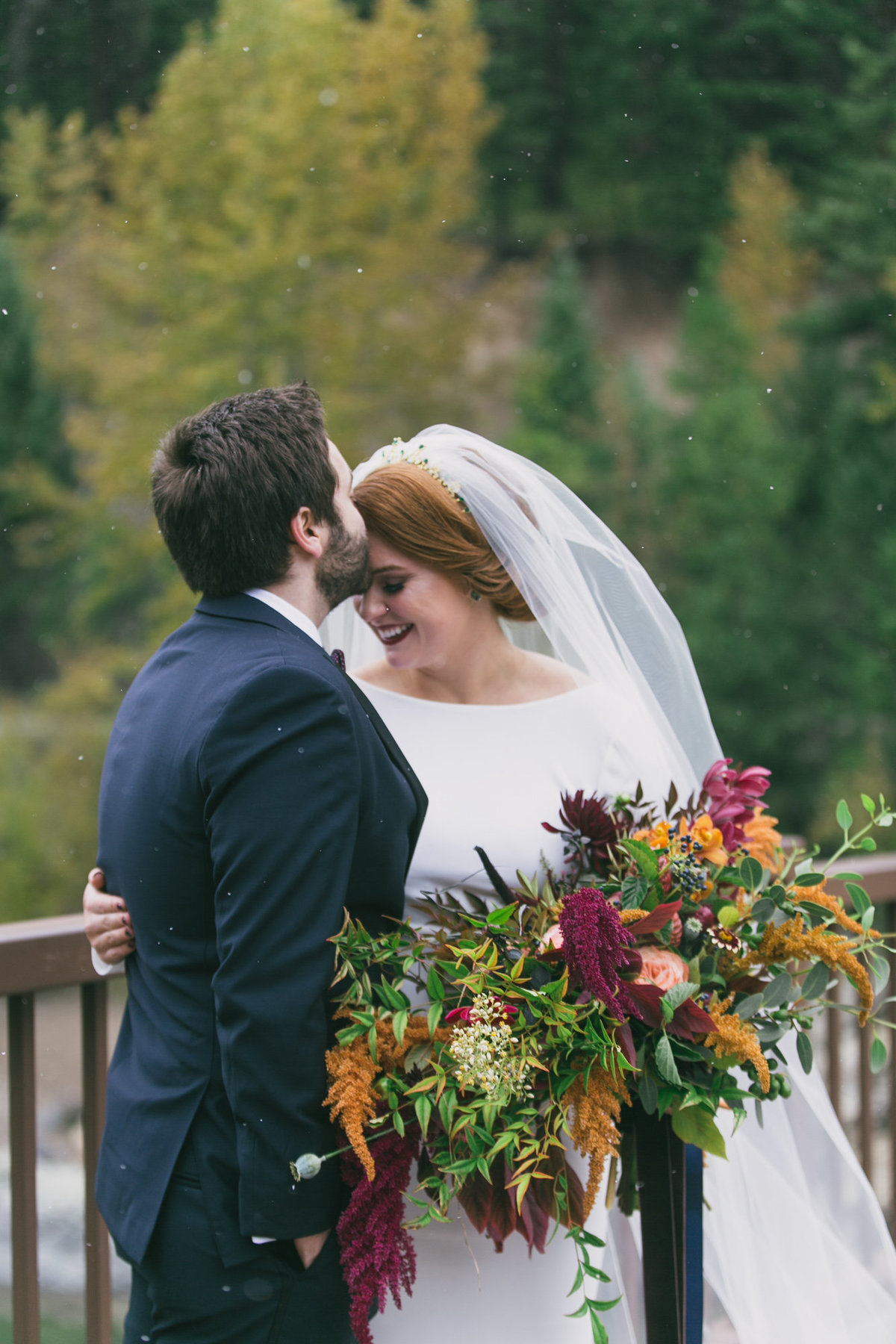 Jennifer_Mooney_Photography_Abbey_Stephen_Fall_Winter_Glacier_Park_Elopement-35
