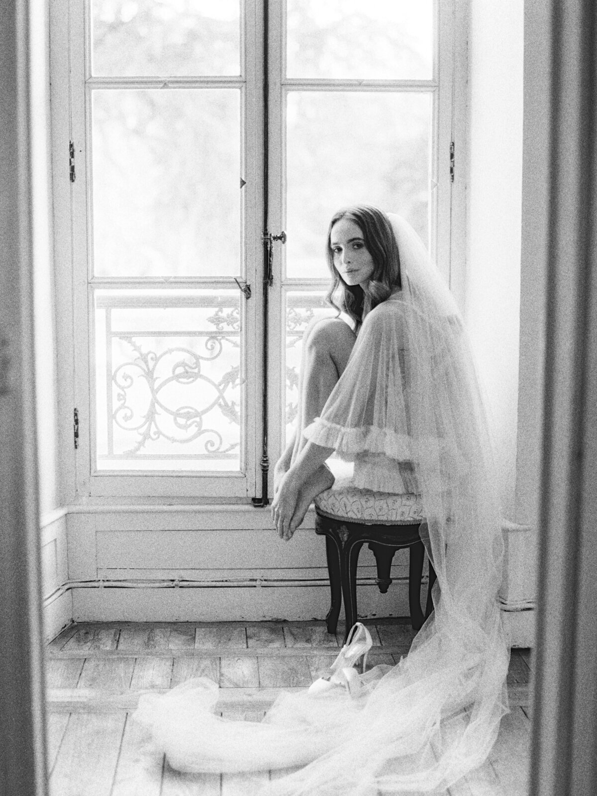 chateau-bouthonvilliers-wedding-paris-wedding-photographer-mackenzie-reiter-photography-9