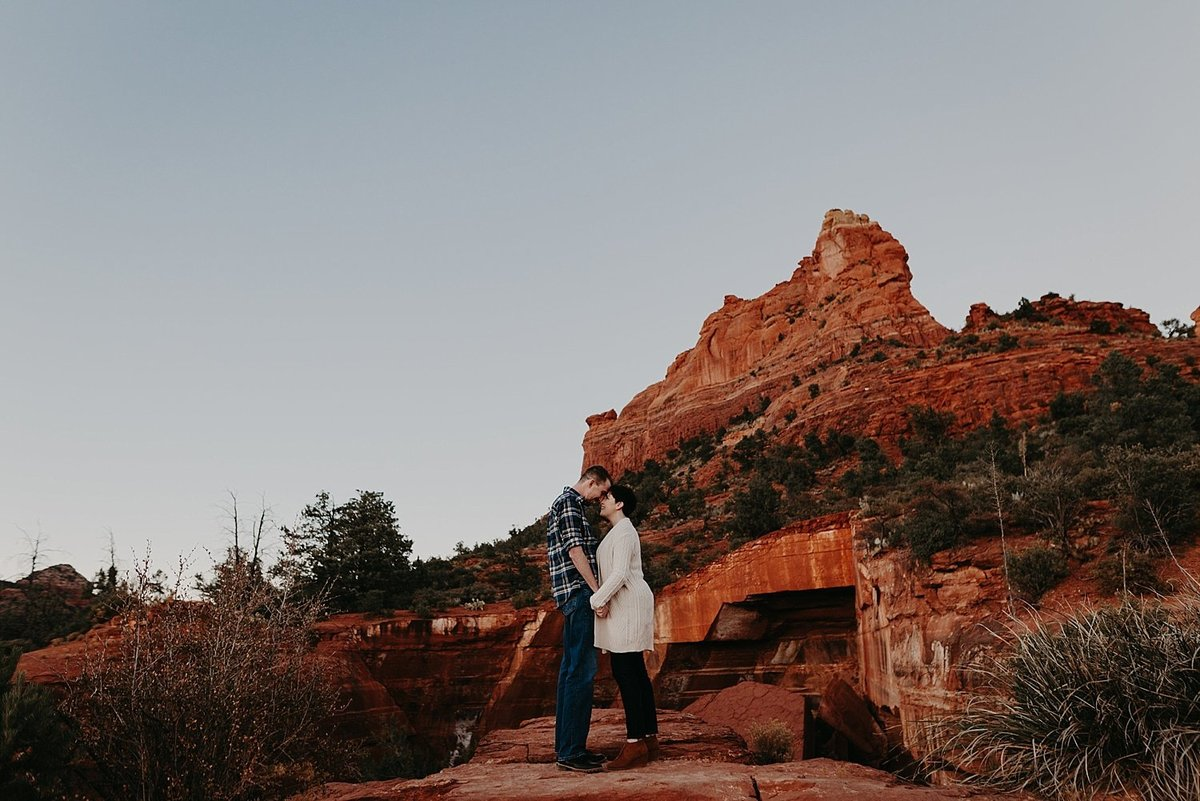 17-Sedona-Devils-Kitchen-Engagement-Photos