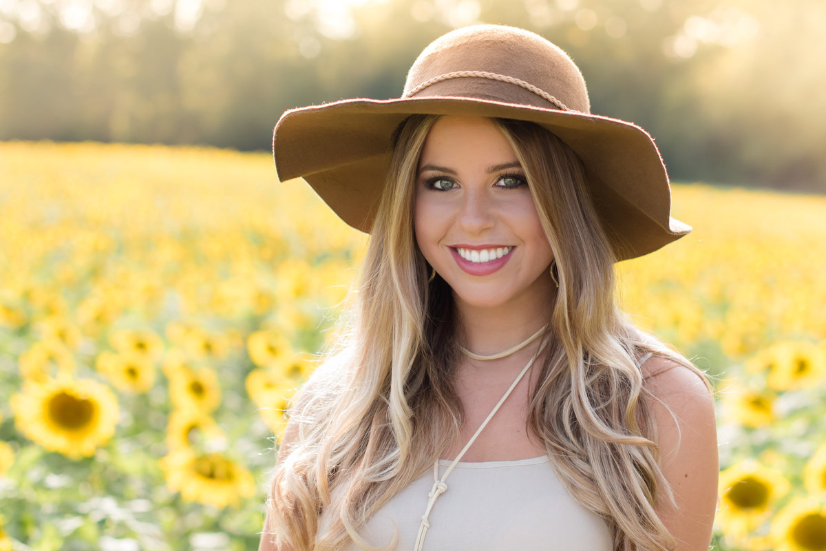 Natural-Bloom-Photo-Waxhaw-sunflower-field-portraits-2498