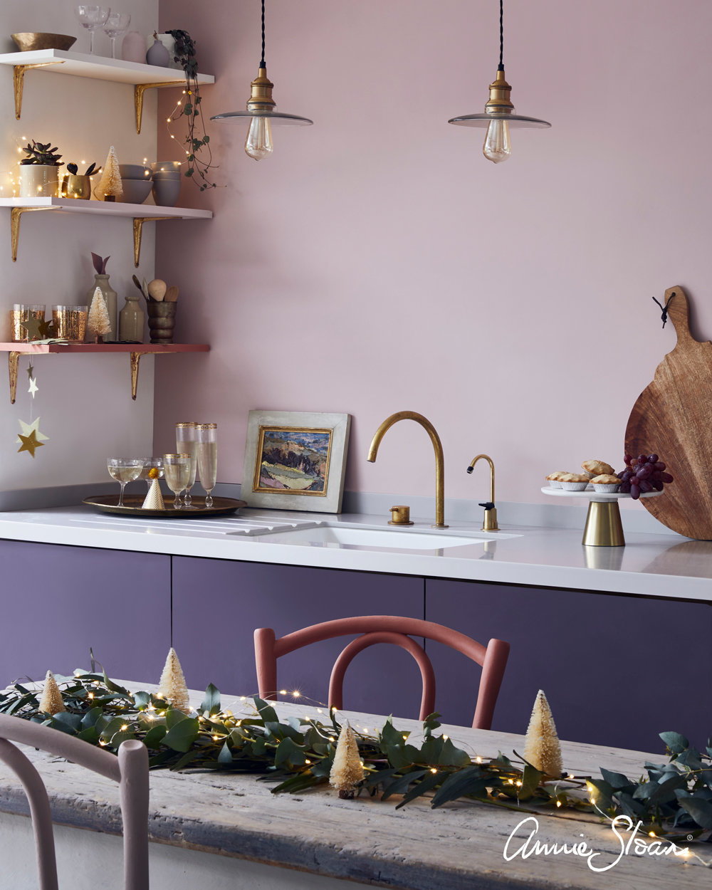 Antoinette-and-aubergine-mix-kitchen-CHRISTMAS