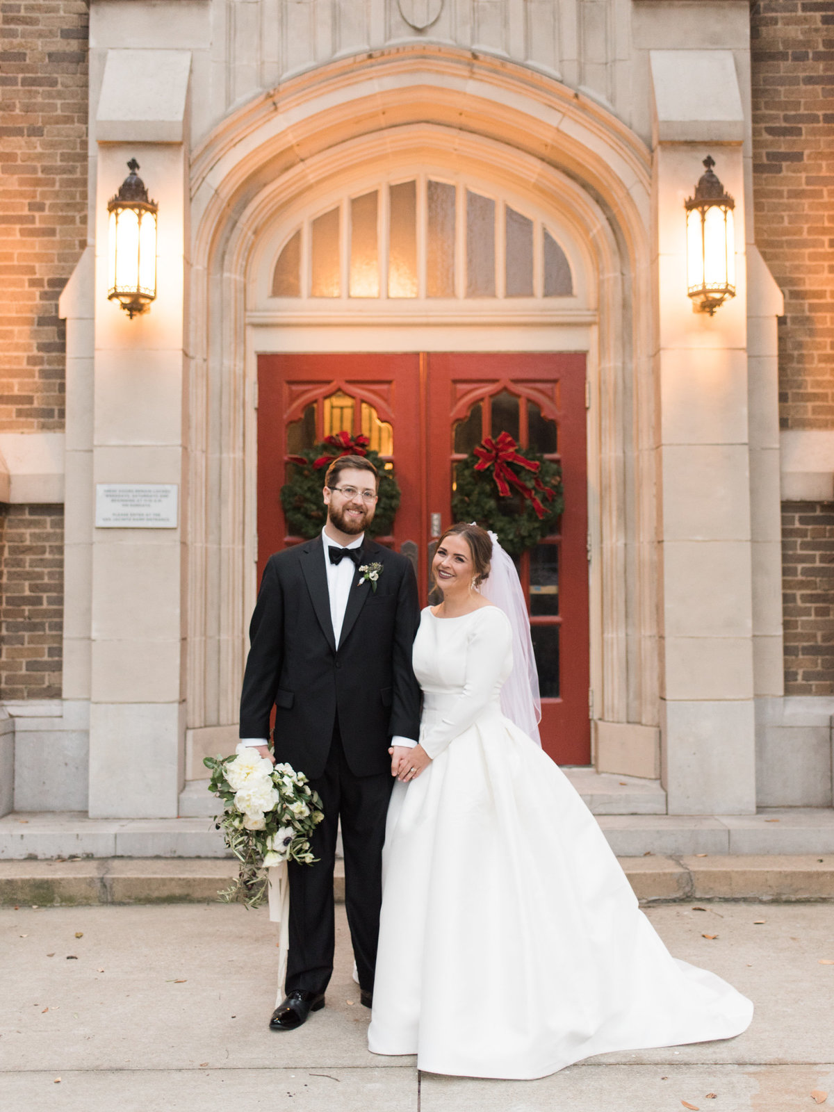 Courtney Hanson Photography - Festive Holiday Wedding in Dallas at Hickory Street Annex-0225