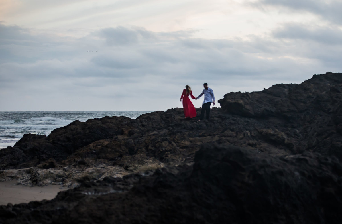 Oregon-oceanside-elopement-couples-photography-session-beach_(1_of_27)