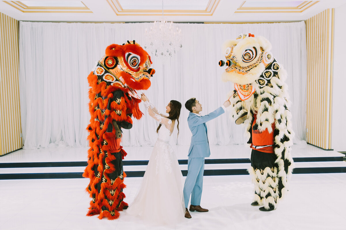 Chinese-Lion-Dance-At-Imperial-Event-Venue