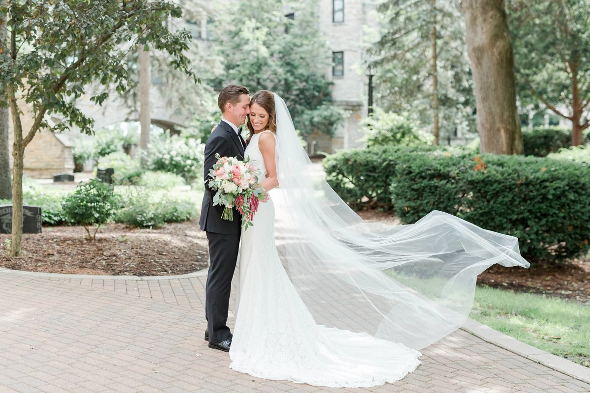 Maison Meredith Photography Wisconsin Wedding Photographer Real Wedding Four 046