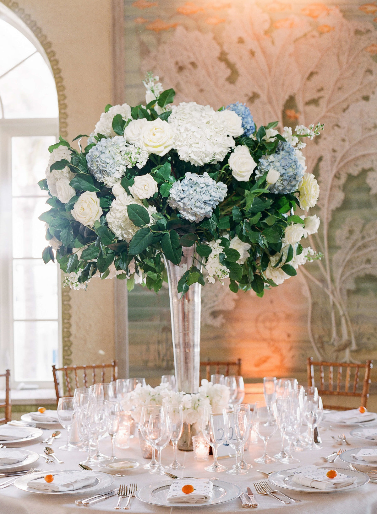 54-KTMerry-weddings-table-flowers-Palm-Beach
