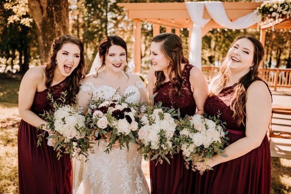 Bridal Party in Arkansas / Kylie Farmer Photography
