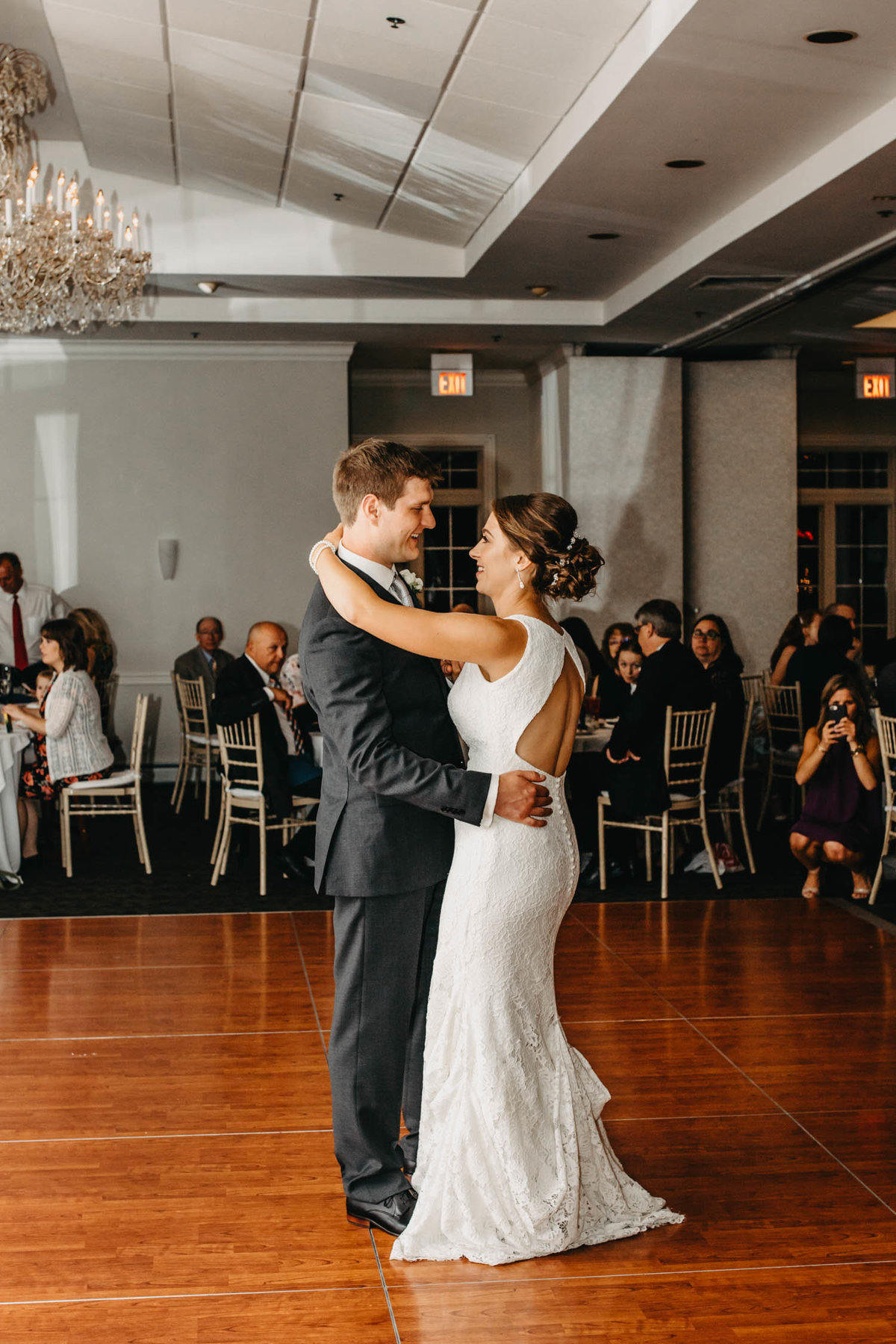 first-dance-bride-and-groom-ruffled-feathers-golf-club-lemont-il-adventurous-wedding-photographer-3