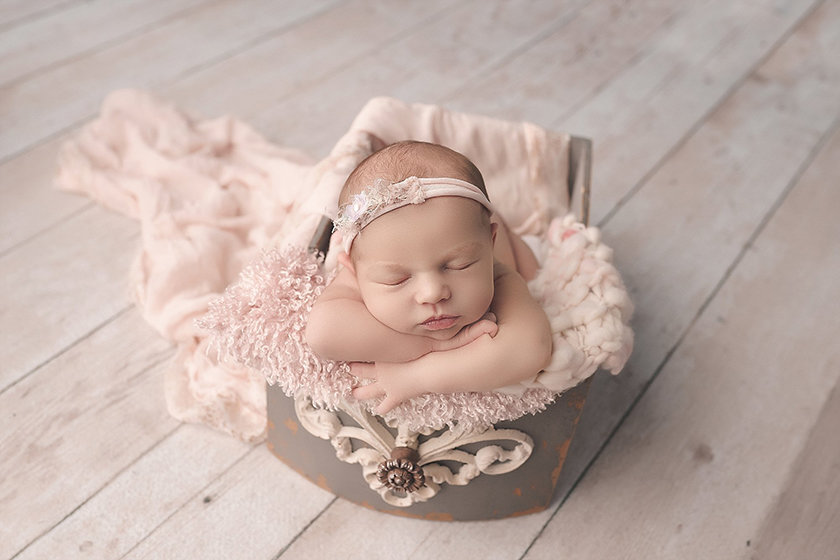 Mt.Pleasent_MI_Newborn_Photographer1301