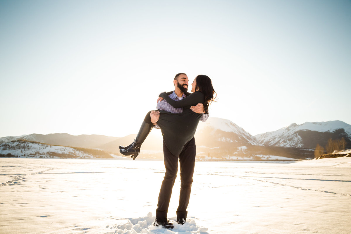 snowy engagement pics