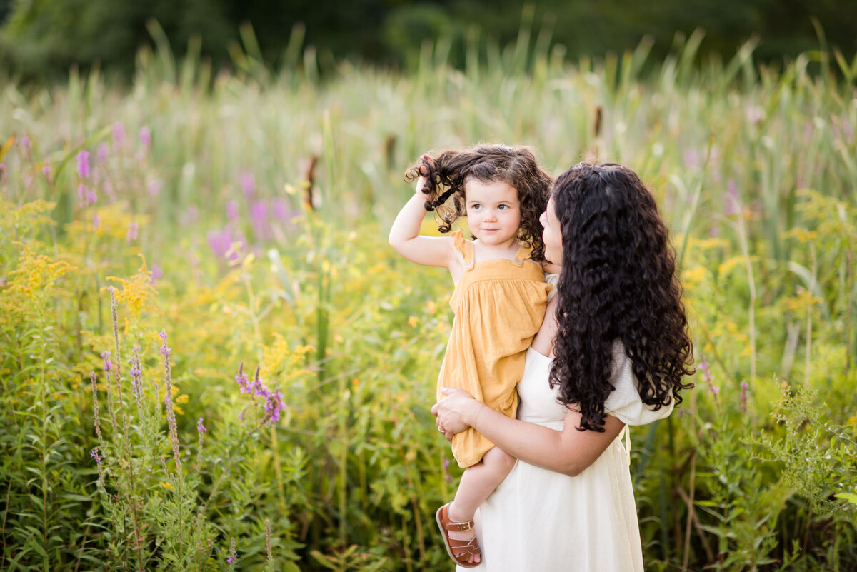 Boston-family-photographer-bella-wang-photography-Lifestyle-session-outdoor-wildflower-51