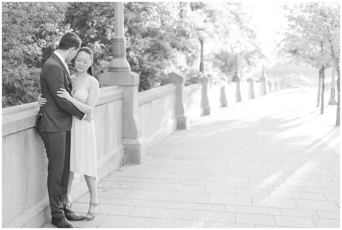 Light-and-Airy-Ottawa-Wedding-Photographer-Major-Hill-Park-Engagement