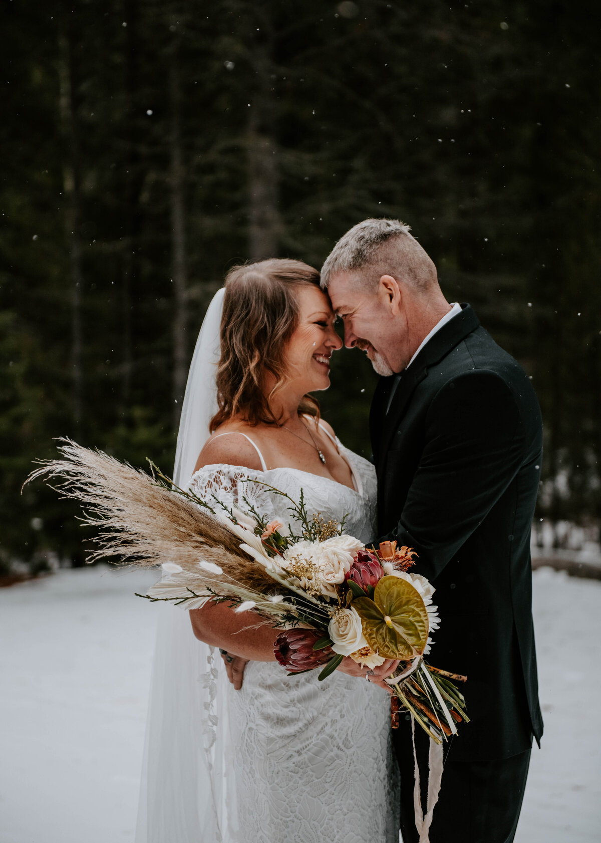 suttle-lake-sisters-oregon-lodge-woods-vow-renewal-photographer-wedding-elopement-2698