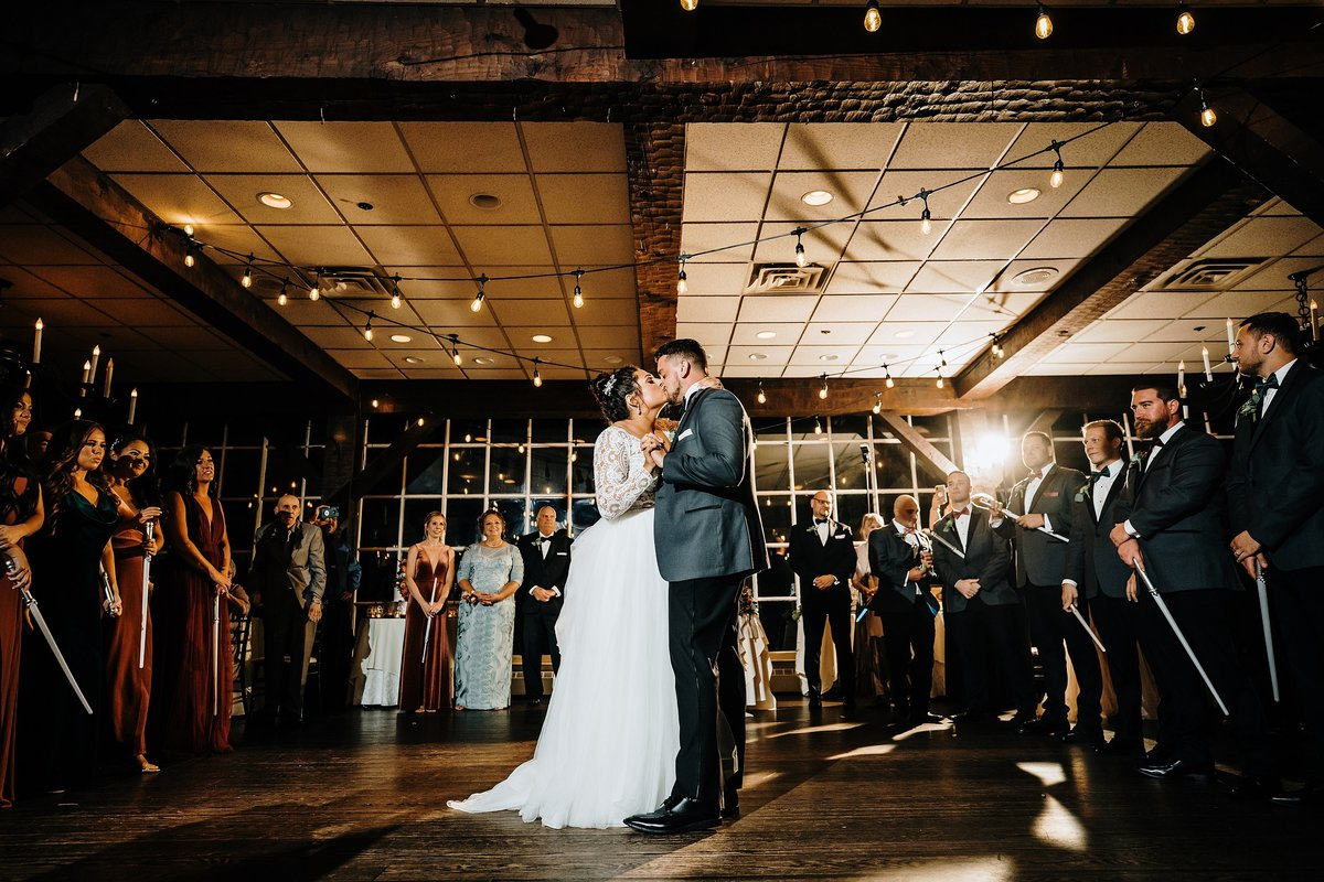 historic-smithville-inn-wedding-galloway-nj-rebecca-renner-photography_0003