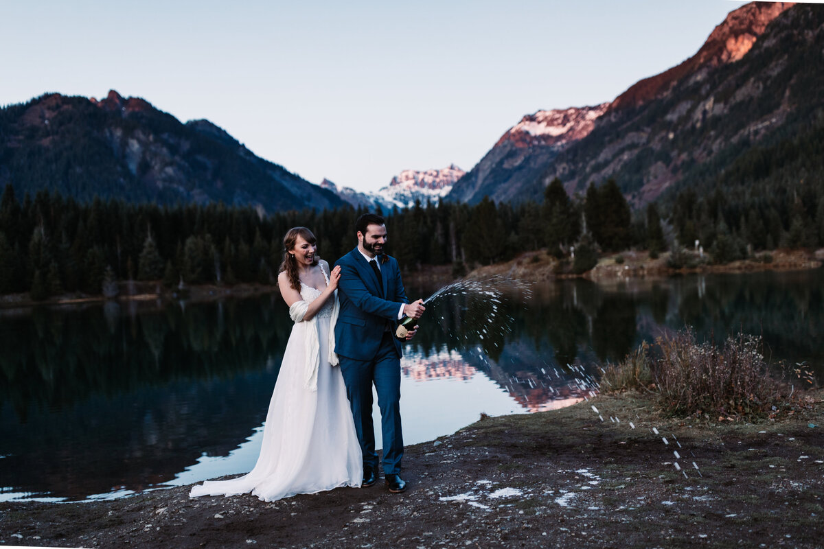 Oregon_elopement_Gold_Creek_pond_Adventure_wedding_photography (556 of 793)