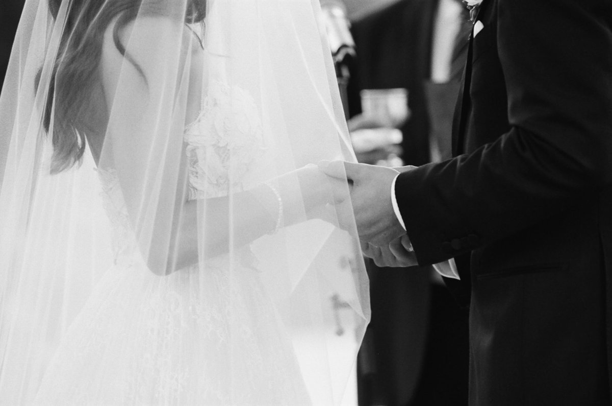 71-KTMerry-wedding-photography-ceremony-vows