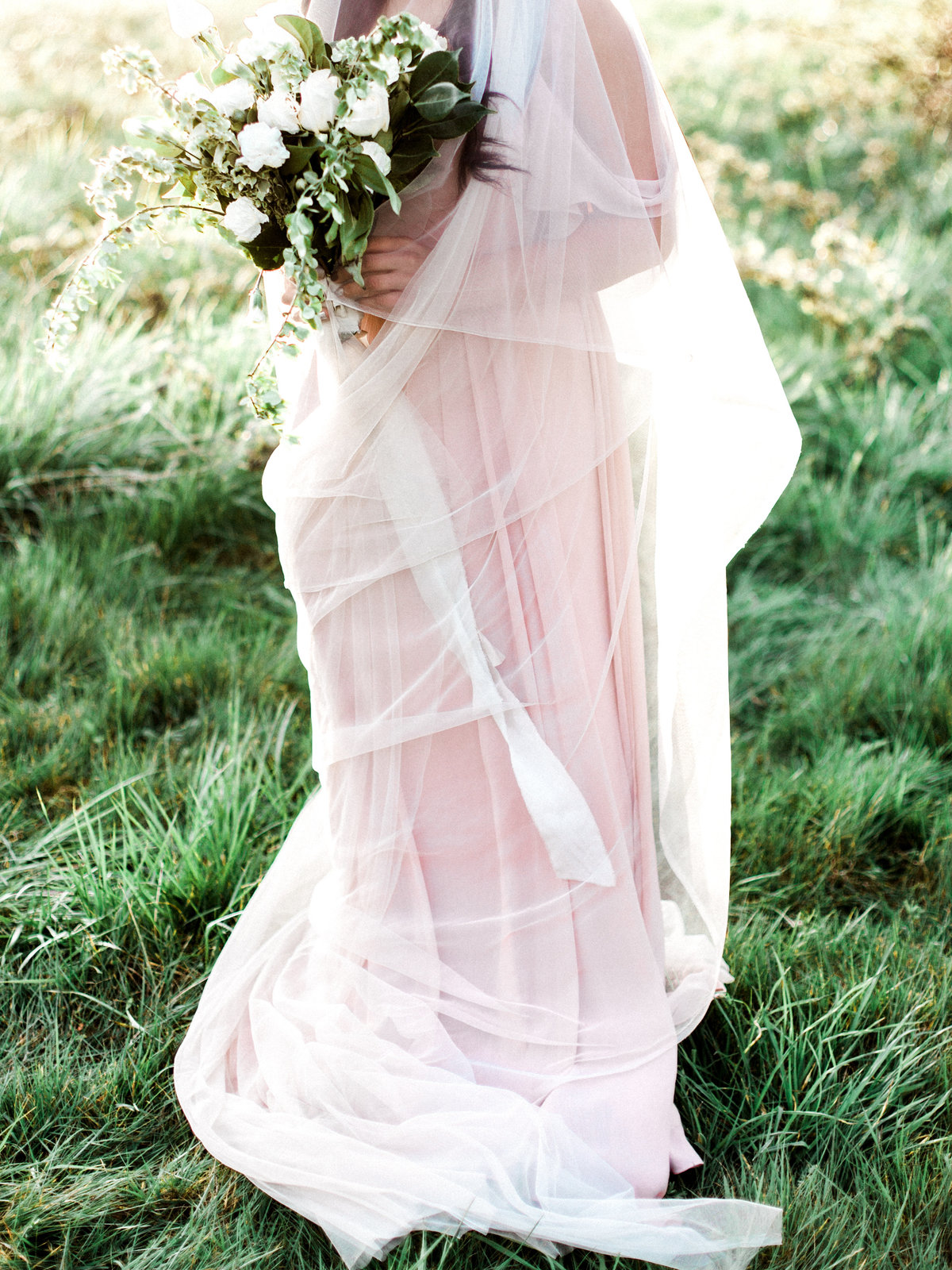 WHEN-SHE-KNEW-PHOTOGRAPHY-ADORN-MAGAZINE-ETHEREAL-BRIDAL-WEDDING-EDITORIAL-OREGON-9