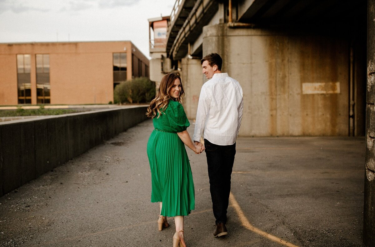 meg-thompson-photography-promenade-park-downtown-fort-wayne-engagement-session-megan-logan-14