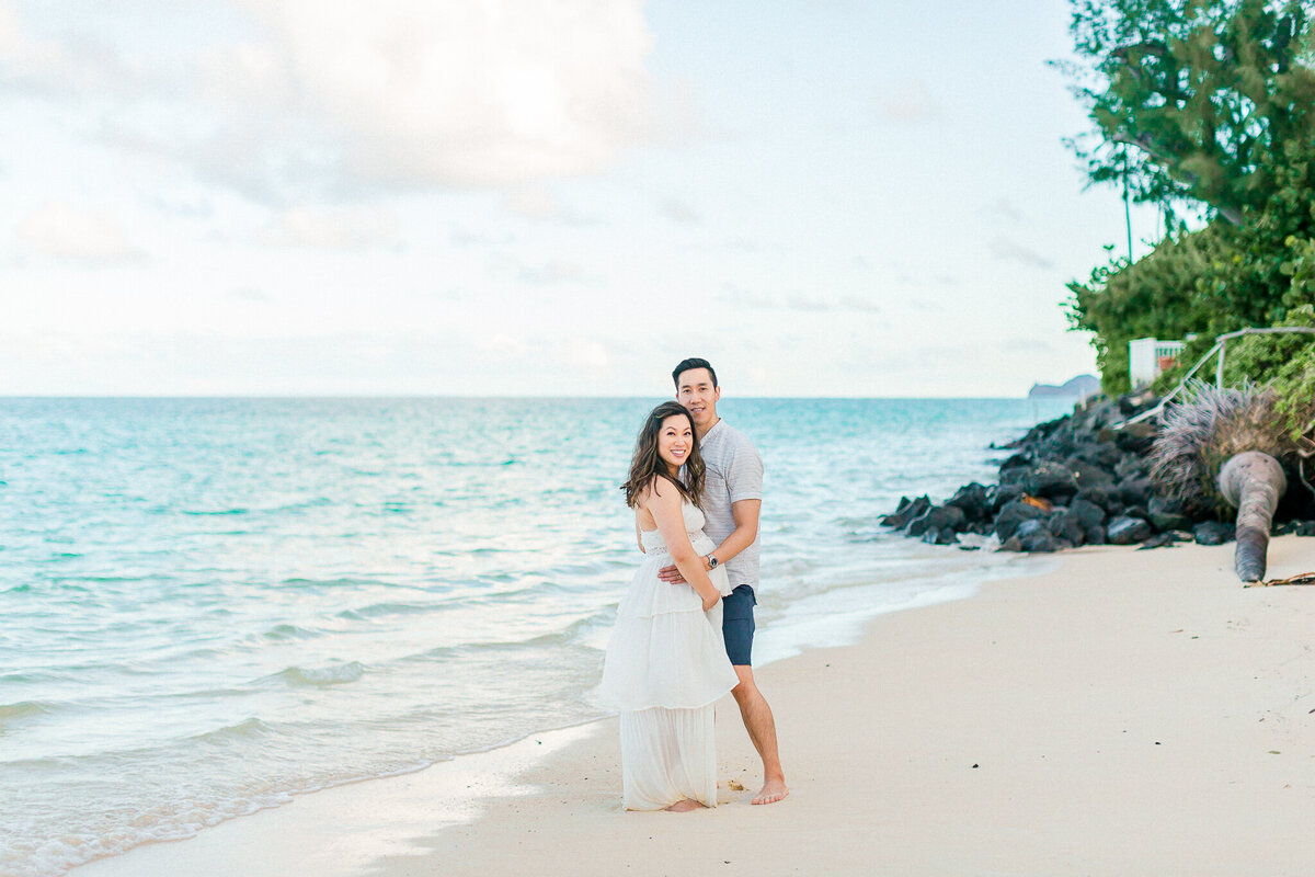 Blog-lanikai beach maternity session by hawaii maternity photographer veronica ilioi photography-0036