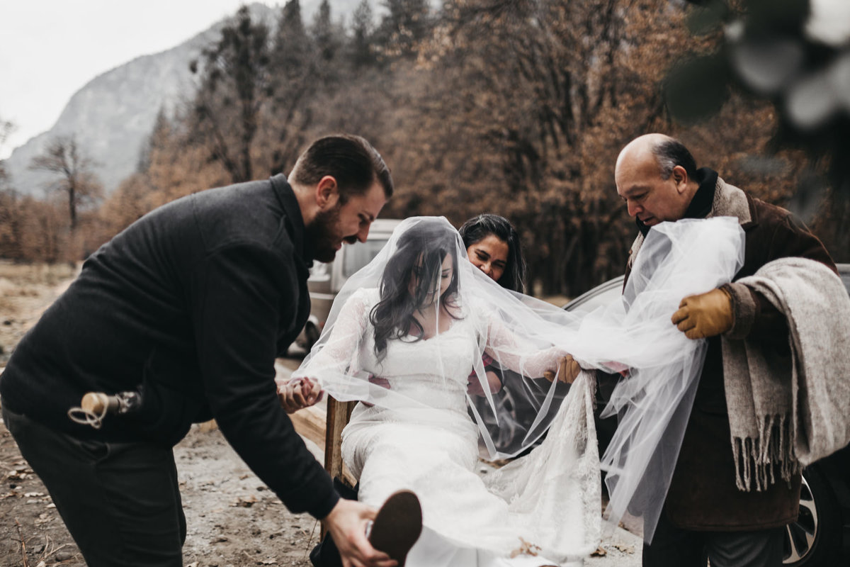 athena-and-camron-how-to-elope-in-yosemite-valley-ceremony6