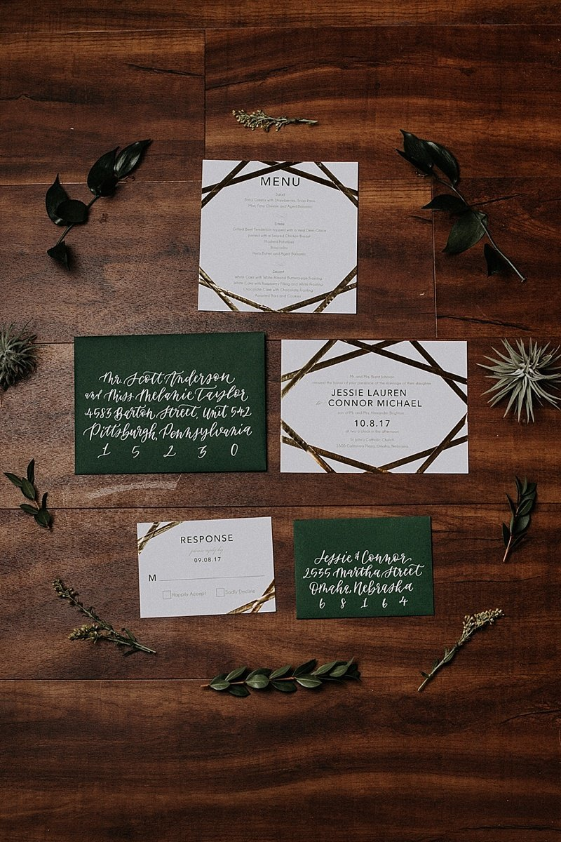 Omaha-Nebraska-Hotel-Deco-geometric-emerald-and-gold-wedding-inspiration-by-Lindsay-Elizabeth-Events37