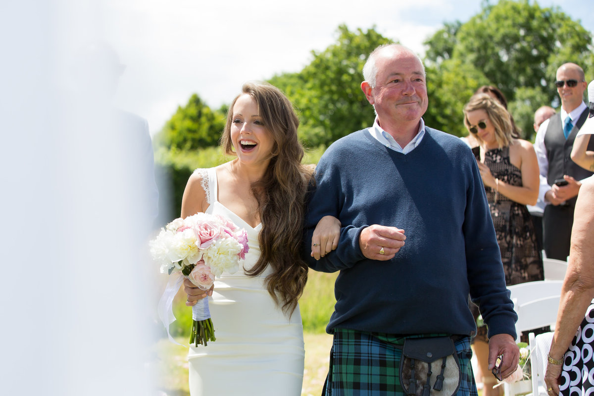 bride and dad in kilt