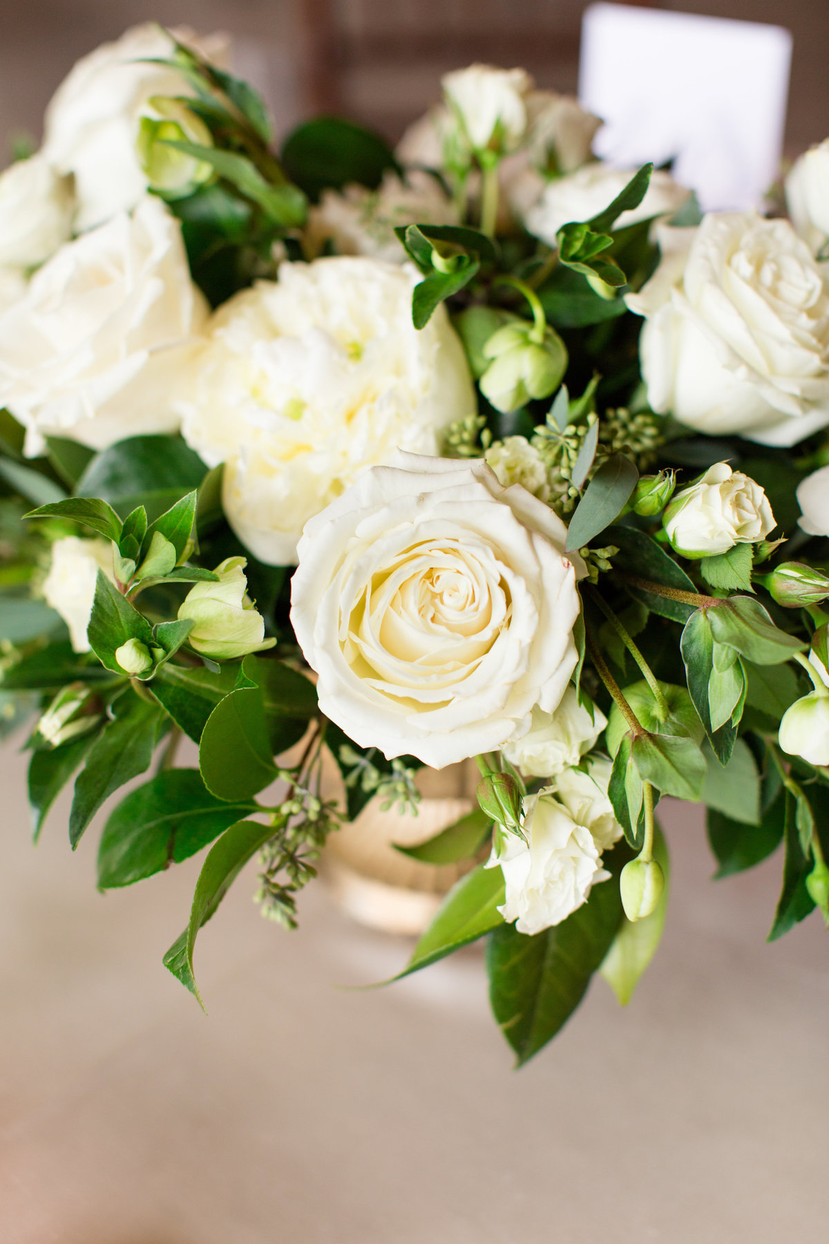 Virginia wedding florals at Mount Ida Farm by Marie Hamilton Photography